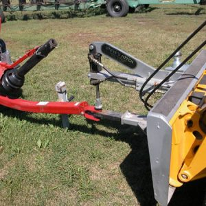 Clevis Style Steves Hitch Skidsteer - 6